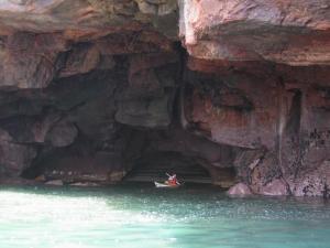 trips-courses-sea-kayak-brittany-morbihan-quiberon-carnac-trinite-caves